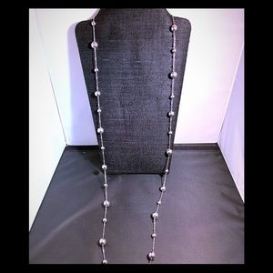 Jewelry - Silver tone ball and chain necklace
